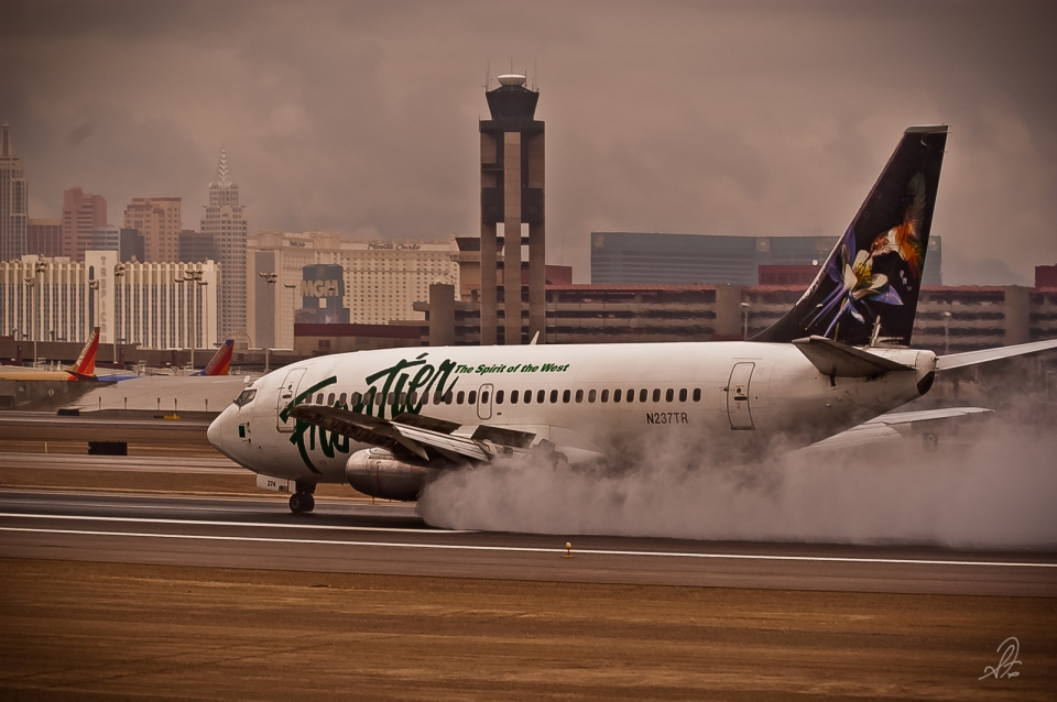 Frontier Airlines Lands in Rain at Las Vegas Airport
