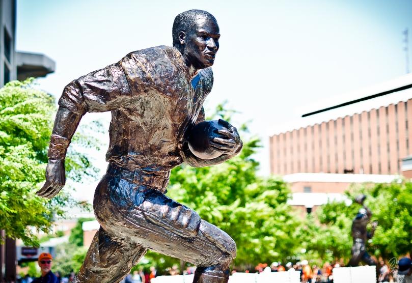 Auburn Bo Jackson Heisman Trophy Winner Statue