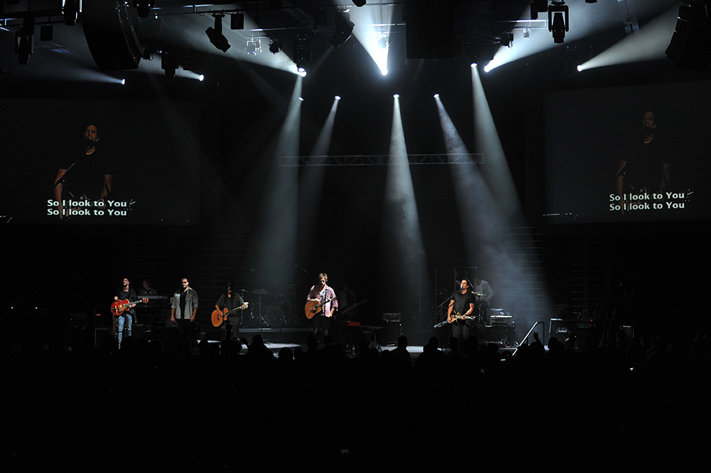 Hillsong United Leads Worship