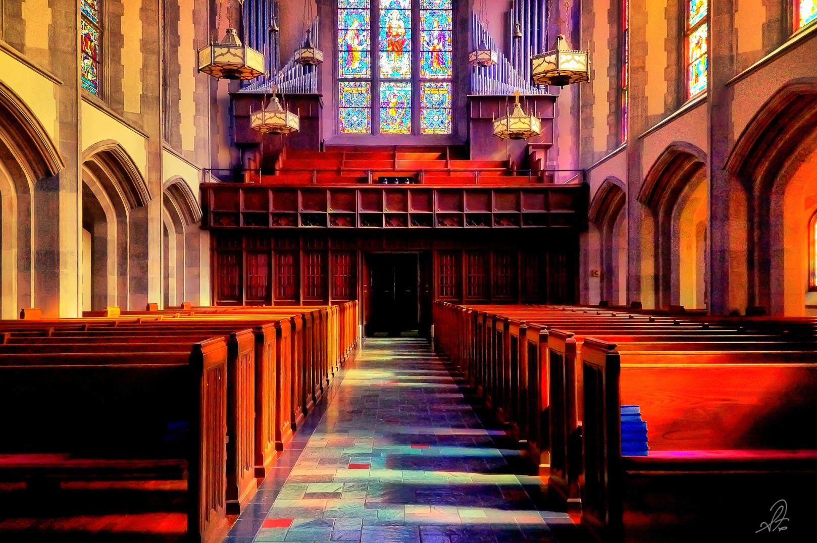 The inside of the main sanctuary of Independent Presbyterian Church in Birmingham AL