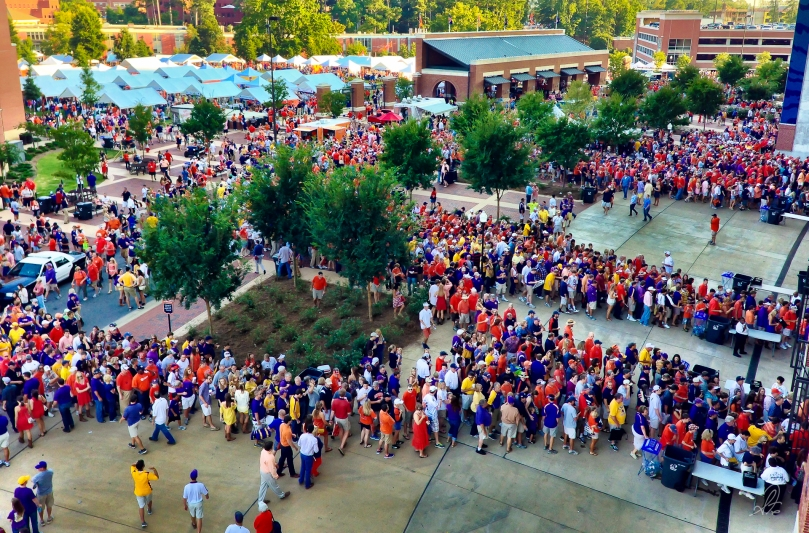 Lines waiting to get into the Auburn Tigers Football vs LSU 2012